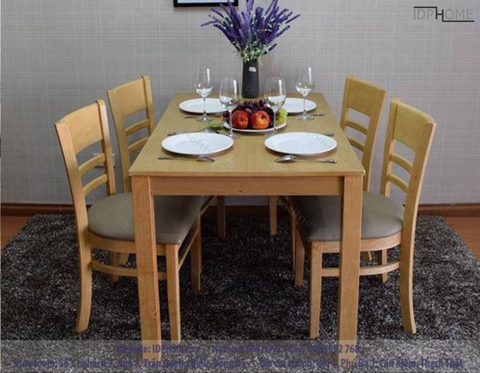 Cách lựa chọn và bố trí bàn ăn trong phòng bếp lớn