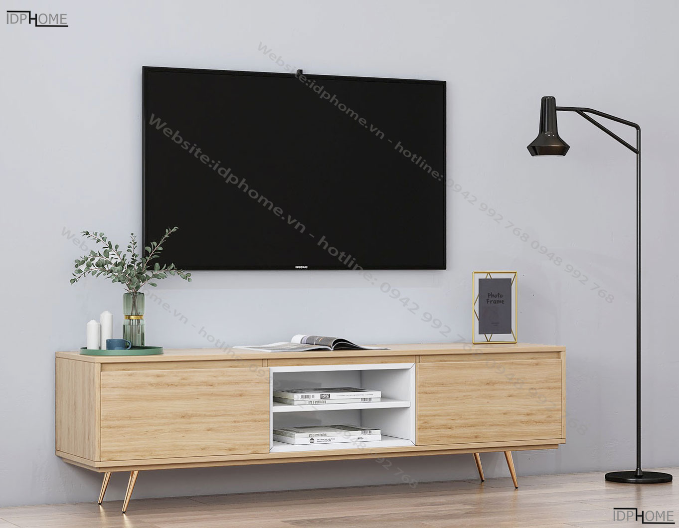 Tủ kệ tivi bằng gỗ chân cao KT6807